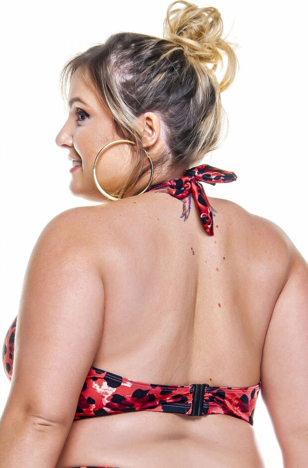 cropped plus size com fenda frontal na estampa savana